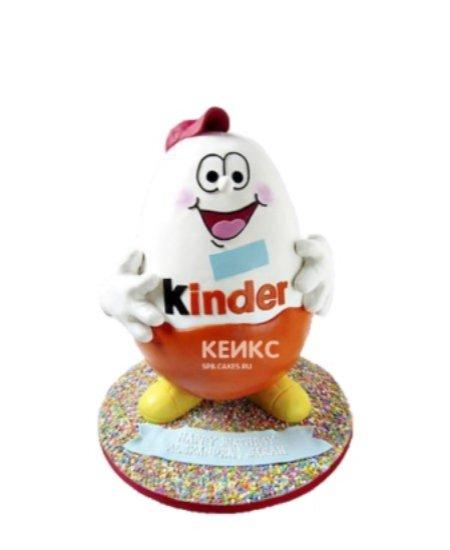 Торт в форме сладости Киндер Сюрприз