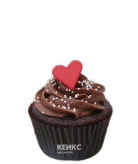 Капкейки на годовщину с коричневым кремом и сердечками