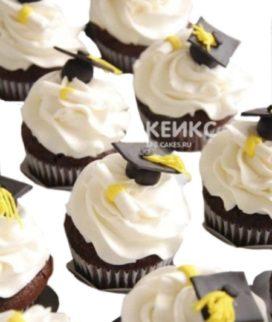 Вкусные капкейки на выпускной белые с шляпами