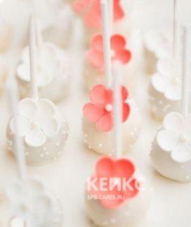 Капкейки кейк попсы с розовыми цветочками