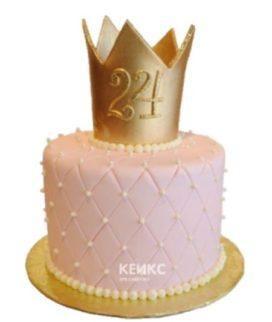 Детский розовый торт с золотой короной для девочки