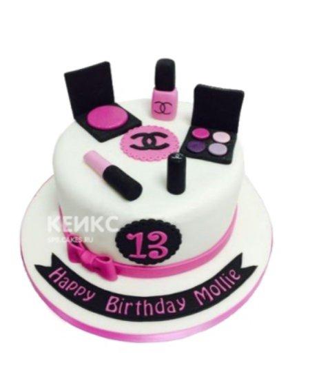 Торт белого цвета в виде косметики шанель