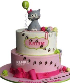 Детский розовый торт с серым котенком