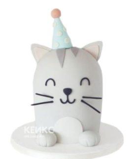 Очаровательный торт в виде серого котенка с колпаком