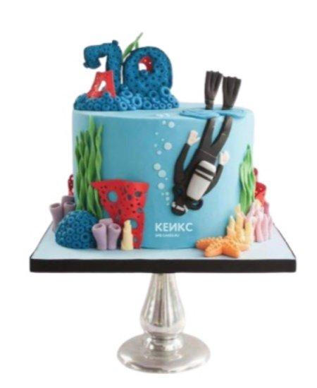 Торт в морском стиле с водолазом и цифрой