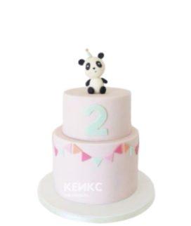 Розовый торт с фигуркой Панды в колпаке