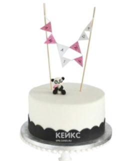 Очаровательный торт с фигуркой Панды и флажками