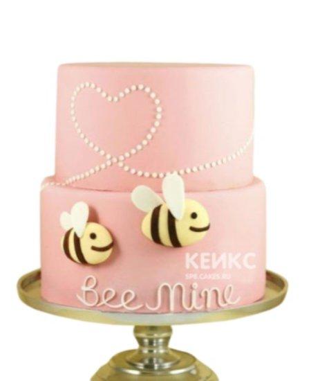 Розовый торт Пчелка