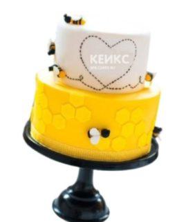 Бело-желтый торт Пчелка