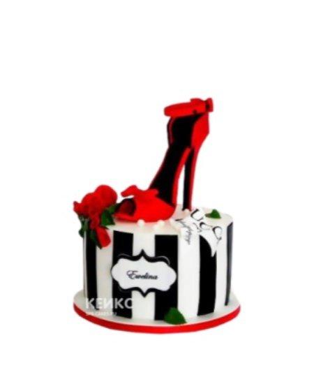 Торт в полоску с красной туфелькой