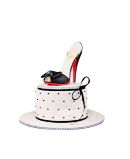 Торт черная туфелька с бантиком
