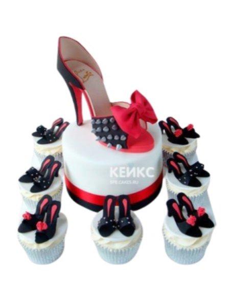 Торт красно-черная туфелька с бантиком