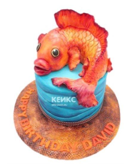 Торт в виде золотой рыбки