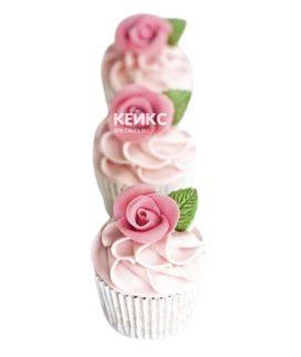 Капкейки любимой маме с кремом и цветком из мастики