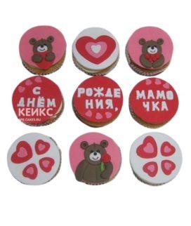 Милые капкейки с медвежатами и надписью для мамы