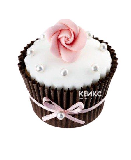 Капкейки для сестры с розовым цветком и бантиком