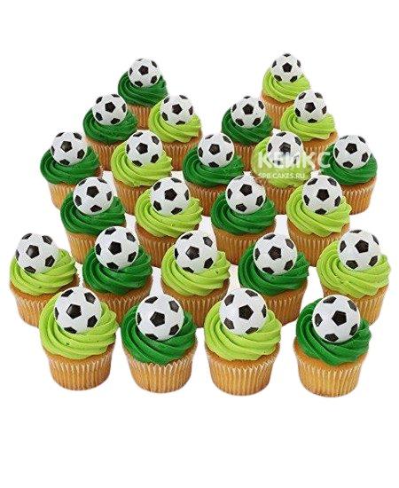 Капкейки футбол в зеленых тонах с мячами