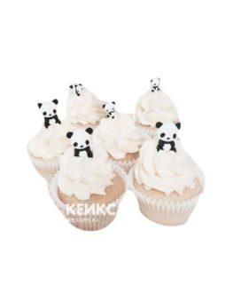 Капкейки с кремом и мишками панда