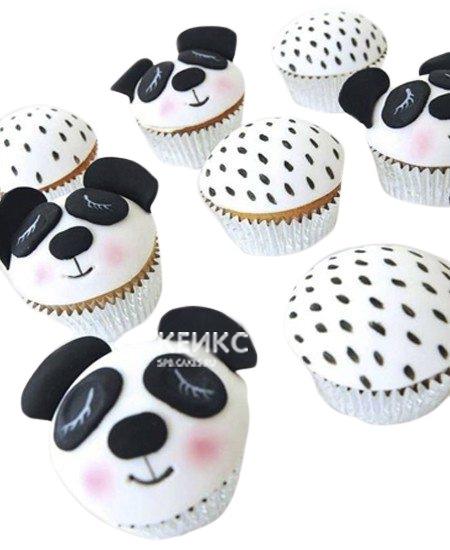 Капкейки со спящими мишками панда