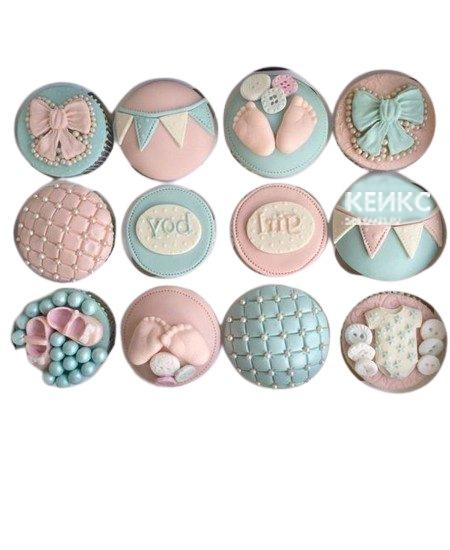 Капкейки на рождение девочки в нежно голубом и розовом оттенках