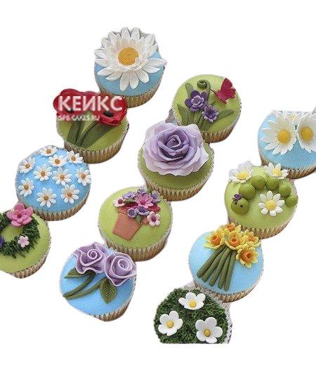 Милые капкейки с полевыми цветами