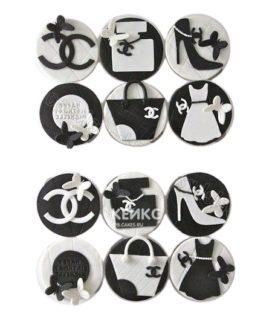 Черно-белые капкейки Шанель с аксессуарами