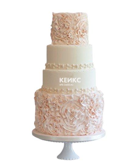 Четырехъярусный бежевый свадебный торт с кружевами