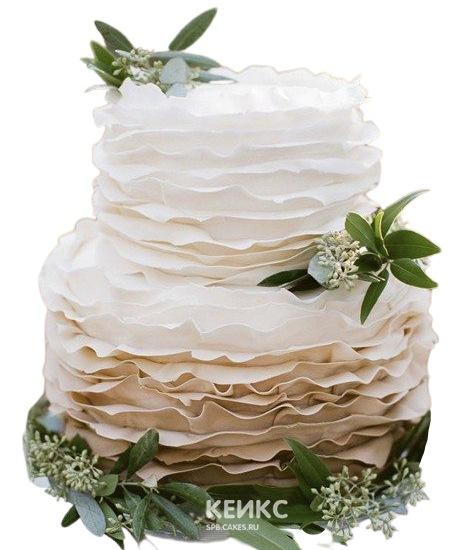Бежевый свадебный торт украшенный живыми цветами