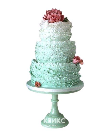 Бирюзовый свадебный торт с рюшами и красными цветами