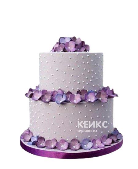 Фиолетовый свадебный торт с цветами и жемчужинами