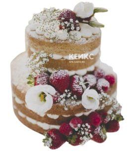 Романтичный свадебный торт голый с ягодами и цветами