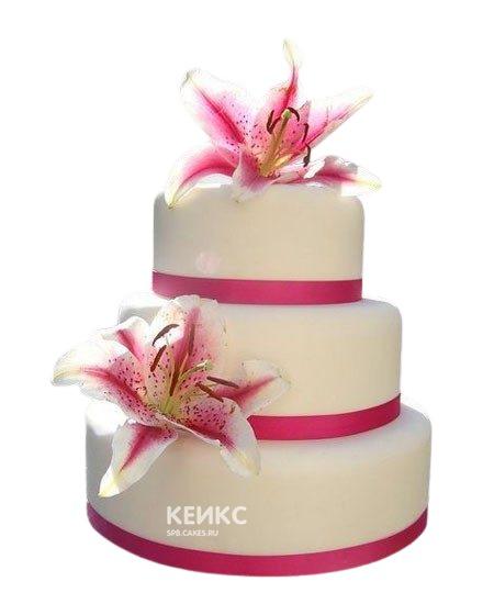 Бело-розовый свадебный торт с лилиями