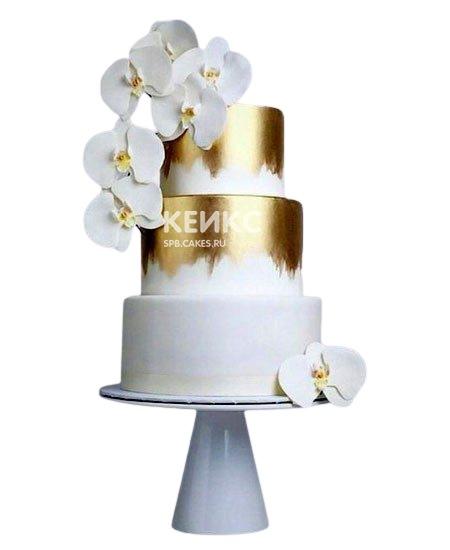 Бело-золотой свадебный торт с орхидеями