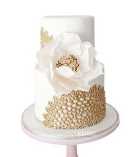 Белый свадебный торт орхидея с необычным узором