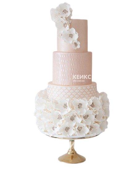 Розовый свадебный торт с орхидеями