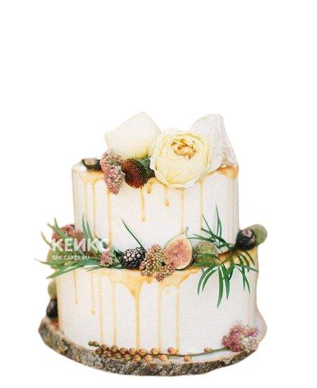 Белый свадебный торт Пионы с поливкой и ягодами