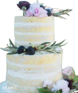 Голый свадебный торт в стиле Прованс с ежевикой и травами