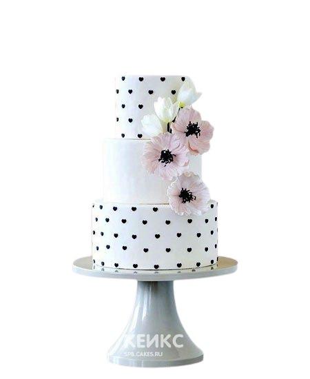 Розовый свадебный торт в горошек