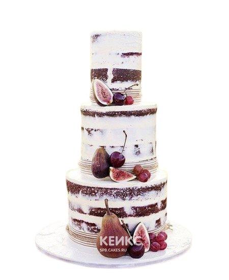 Свадебный торт с фруктами авокадо и виноград