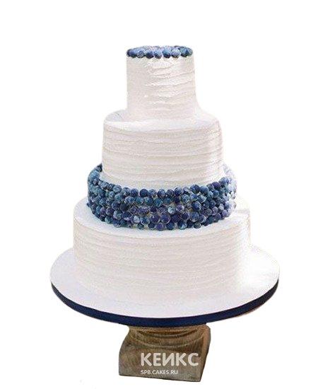 Свадебный торт с фруктами нежно-розовый с черникой