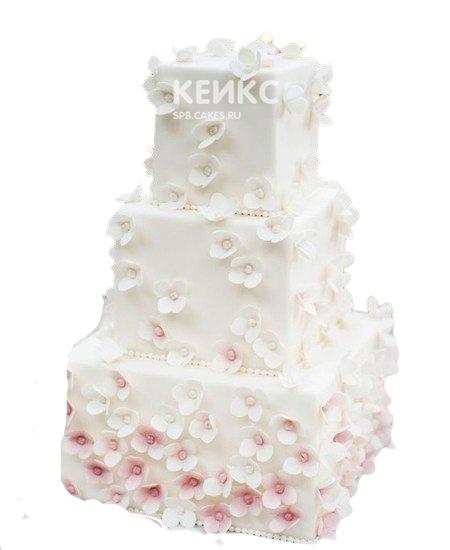 Трехъярусный квадратный свадебный торт с кружевами