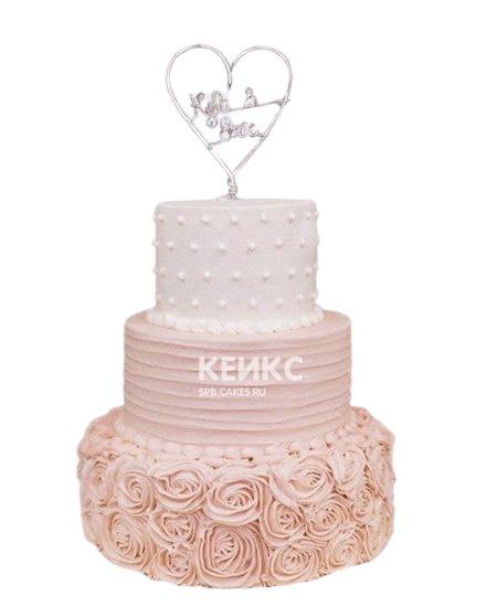 Нежно-розовый свадебный торт с кружевом и сердцем