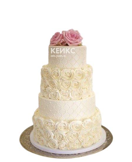 Свадебный торт с кружевом и розовыми цветами
