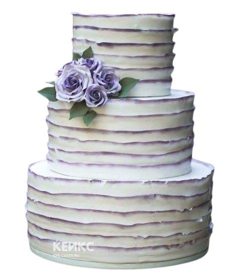 Трехъярусный свадебный торт с оборками и фиолетовыми розами