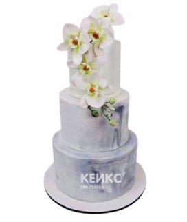 Свадебный торт с живыми цветами в 4 яруса