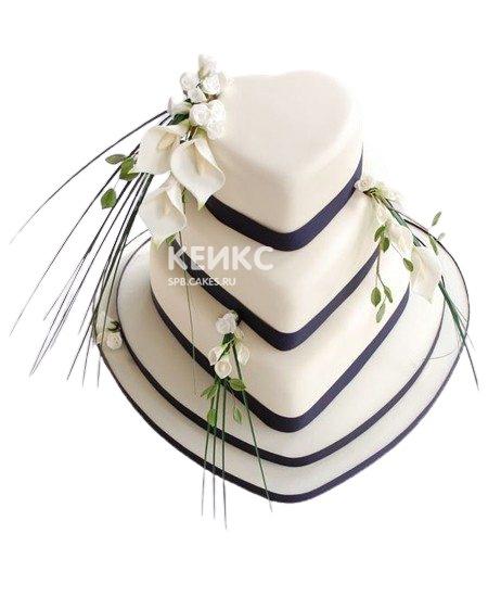 Красивый свадебный торт в виде сердец