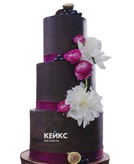 Шоколадный свадебный торт шоколадный с белыми и розовыми цветами
