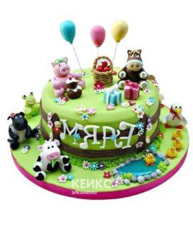 Торт Поляна девочке с фигурками животных