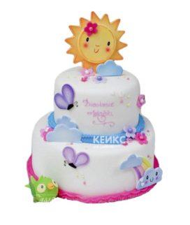 Детский торт для девочки с ярким солнышком и тучками из мастики