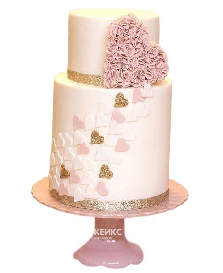 Розовый двухъярусный торт с сердцами и блестками для девушки
